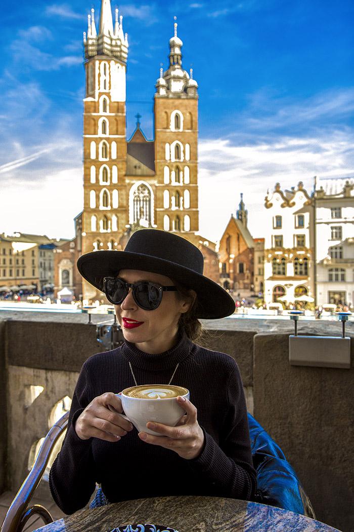 kraków, krakow, krakow old town, stare miasto,  kościół mariacki, sukiennice, gołębie, rynek główny w krakowie, szał cafe
