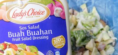 salad buah-buahan menggunakan salad dressing Lady's Choice