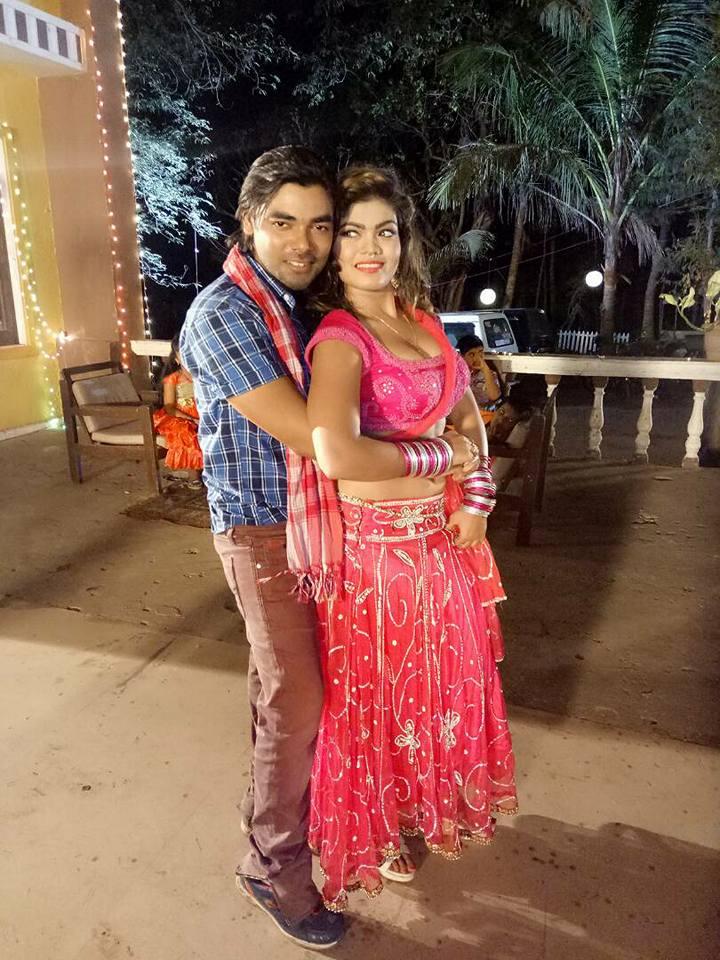 Nisha Dubey and Vishal Singh Gadar 2 Bhojpuri Movie Shooting stills, Gadar 2 Bhandar Bhojpuri Movie