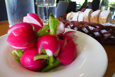 Atout, pink radishes
