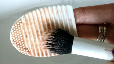 Silicone makeup brush cleaner before and after