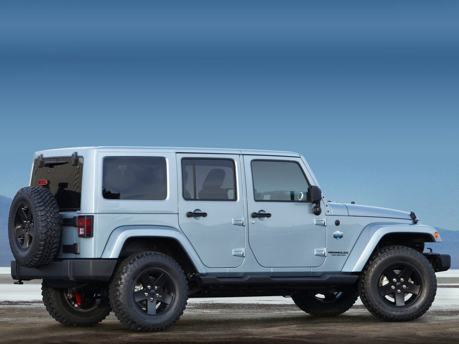 Silver Jeep Wrangler >> 2012 Jeep Wrangler Arctic | Download Gambar Mobil