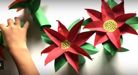 Manualidad fácil de flor de Nochebuena de papel