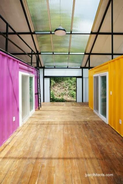 Vista del interior de casa económica para familia de bajos ingresos