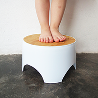 http://www.ohohdeco.com/2014/07/diy-kid-stool.html