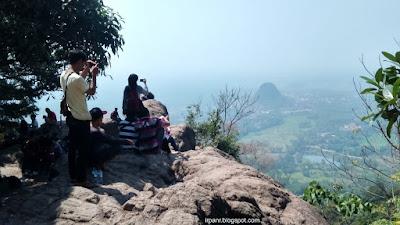 Gunung Munara Puncak 1