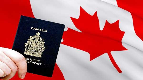 لأصحاب الدبلومات والشواهد الراغبين في الهحرة إلى كندا