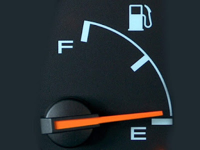 Apa Perlu Buat Bila Simbol Minyak Kereta Menunjukkan E?