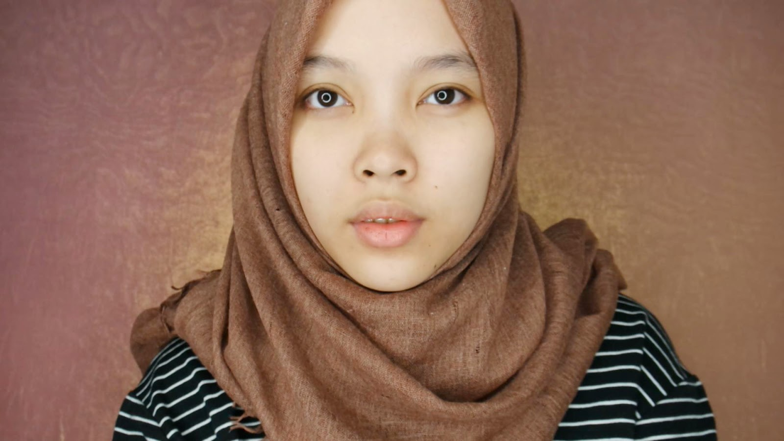 Haloterong By Mevlied Nahla Sp Sato Hakubi Bb Cream Q10 Pastaron Mungkin Rada Susah Sih Buat Yang Kulitnya Gelap Karena Cuma Ngeluarin 1 Shade
