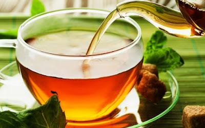 Uống trà nóng giúp chữa ngạt mũi