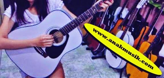 Tips Belajar Gitar Fingerstyle Secara Otodidak Bagi Pemula