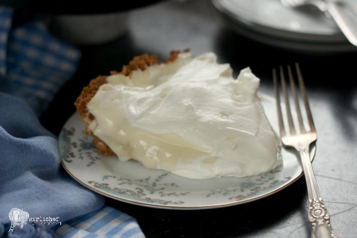 Banana Cream Pie w/ Shortbread Cookie Crust
