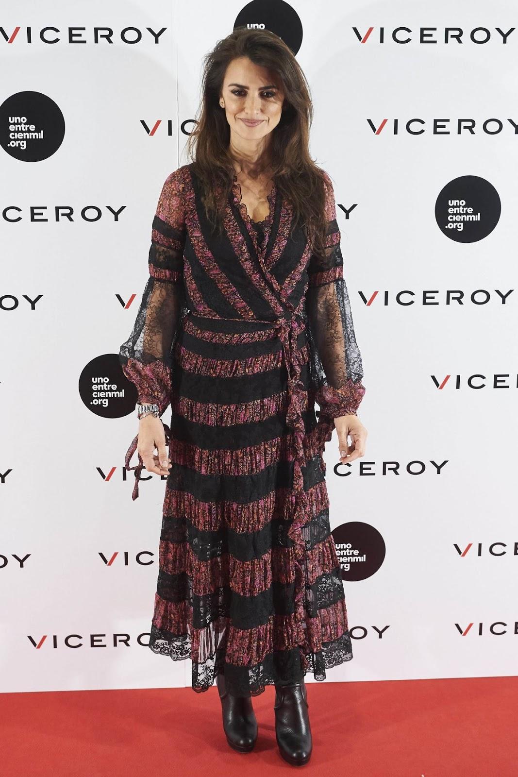 Zoolander No 2 actress Hot & Sexy Penelope Cruz at Soy Uno Entre Cien Mil Photocall at Academia De Cine in Madrid