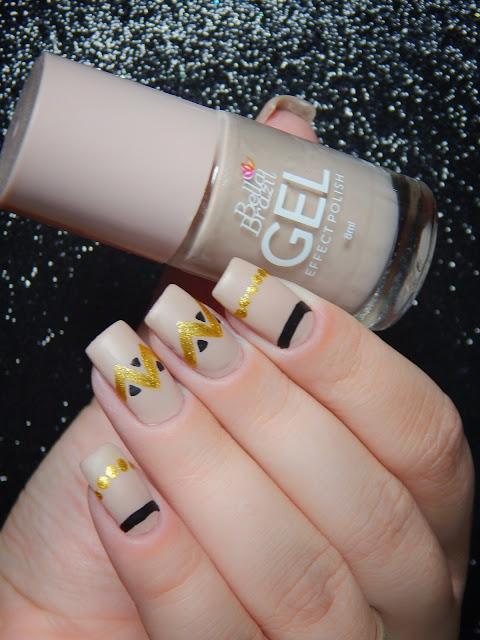 nude-nail-art