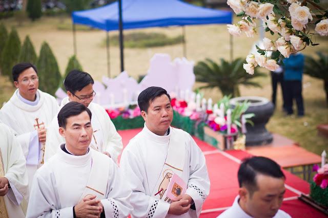 Lễ truyền chức Phó tế và Linh mục tại Giáo phận Lạng Sơn Cao Bằng 27.12.2017 - Ảnh minh hoạ 57