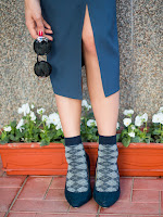fashion blogger diyorasnotes lookoftheday midi dress navy socks heels white blouse%2B%252825%2B%25D0%25B8%25D0%25B7%2B25%2529 - HOW TO STYLE SOCKS