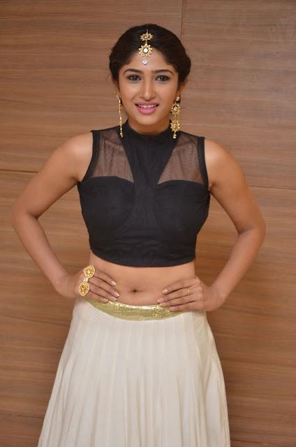Roshini Prakash hot navel photos