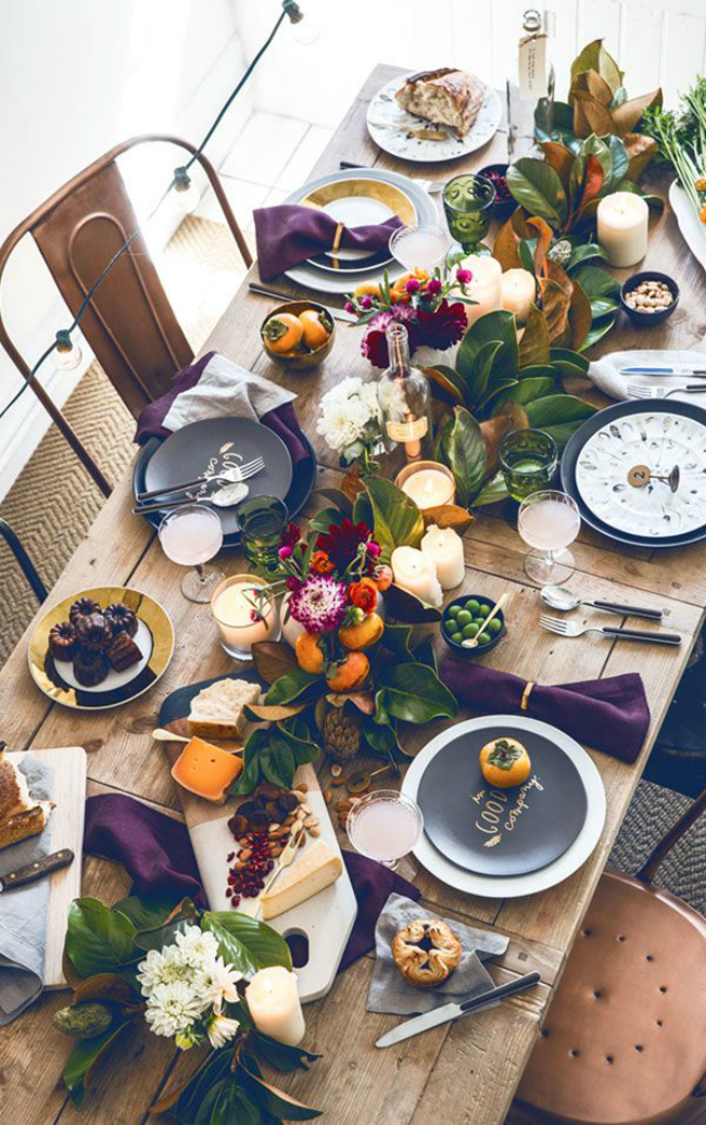 Primp And Proper Setting The Thanksgiving Table