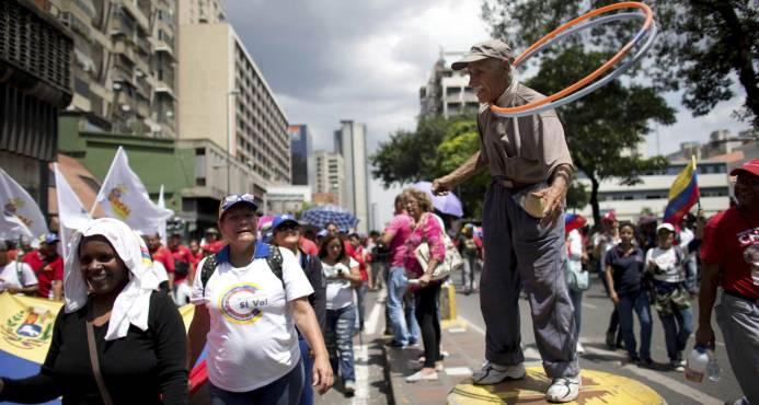 Candidatos a gobernadores en Venezuela se preparan para inicio de campaña