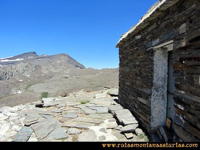 Ruta Posiciones del Veleta - Mulhacén: Refugio de Villavientos