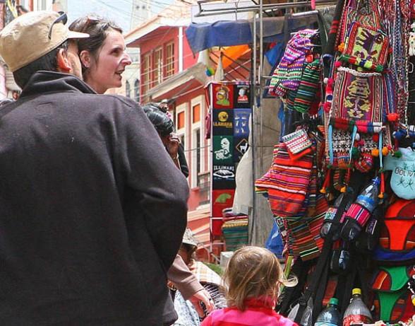 El 79% de turistas extranjeros que visitan La Paz volvería a vivir laexperiencia