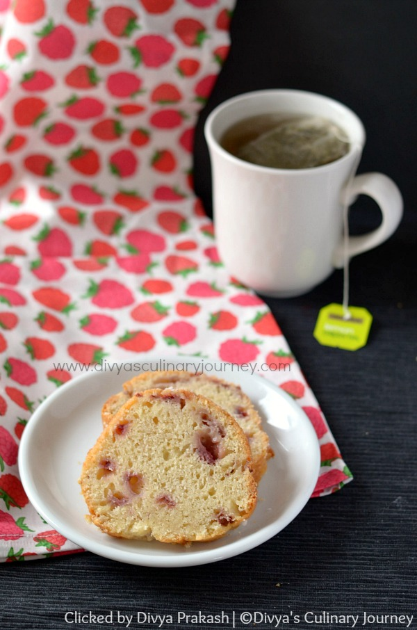 strawberry yogurt cake, soft cake with fresh strawberries
