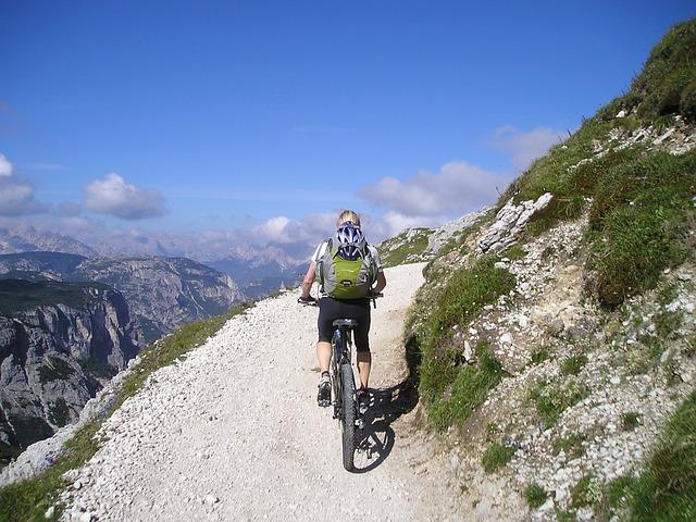 Tipe-Tipe Mountain Bike (Sepeda Gunung)