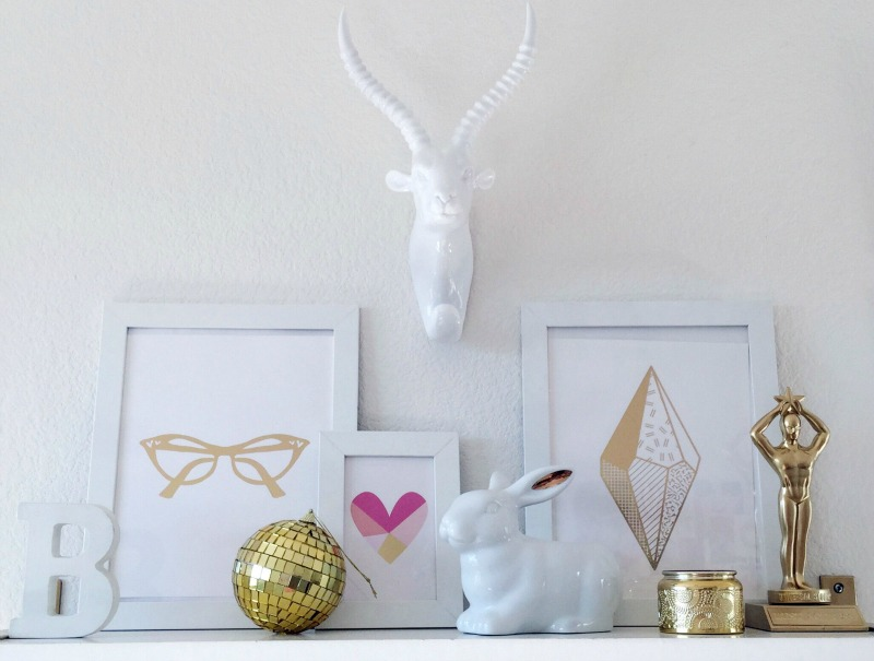 FASHION BLOGGER OFFICE WORKSPACE DESK GOLD WHITE PINK GLAM GALLERY WALL DECOR