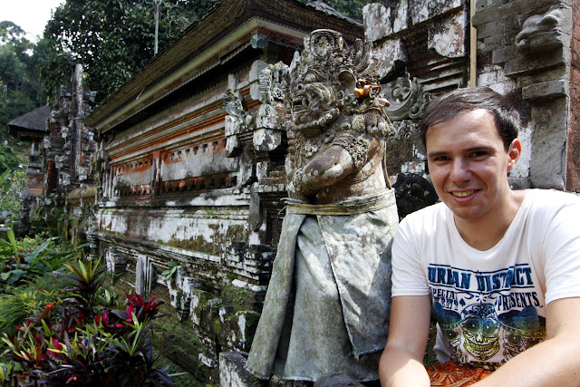 Alberto en Pura Gunung Kawi