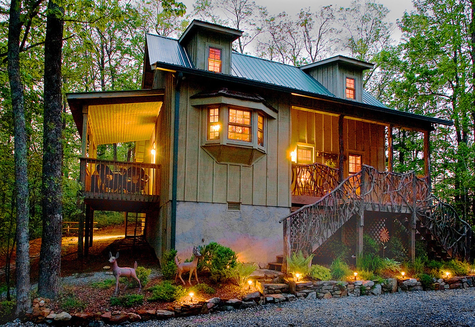 Christmas Cabin Rentals.A Free Daily Visitor Guide For The North Carolina Mountains
