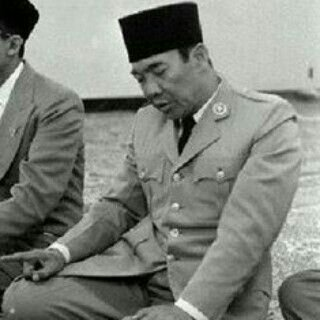 puritanical islam In 2005, zein was influenced by the ideas of ustaz abdul hakim amir abdat, a  puritanical indonesian muslim scholar, and started airing the.