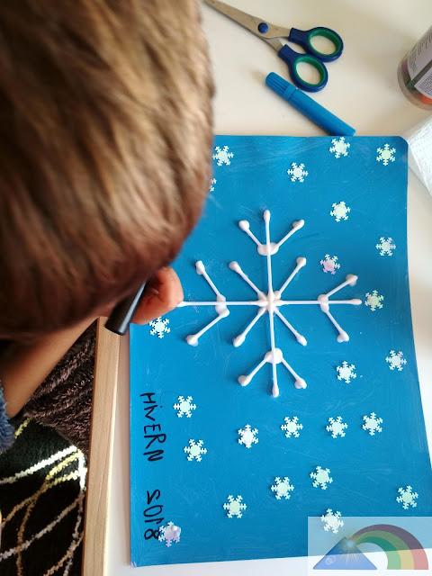 Copo de nieve hecho con bastoncillos de los oídos