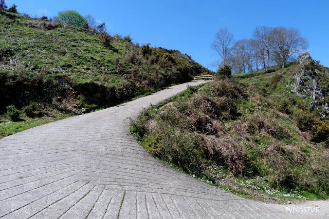 Pista de Subida al Pico Torre - Piloña - Asturias