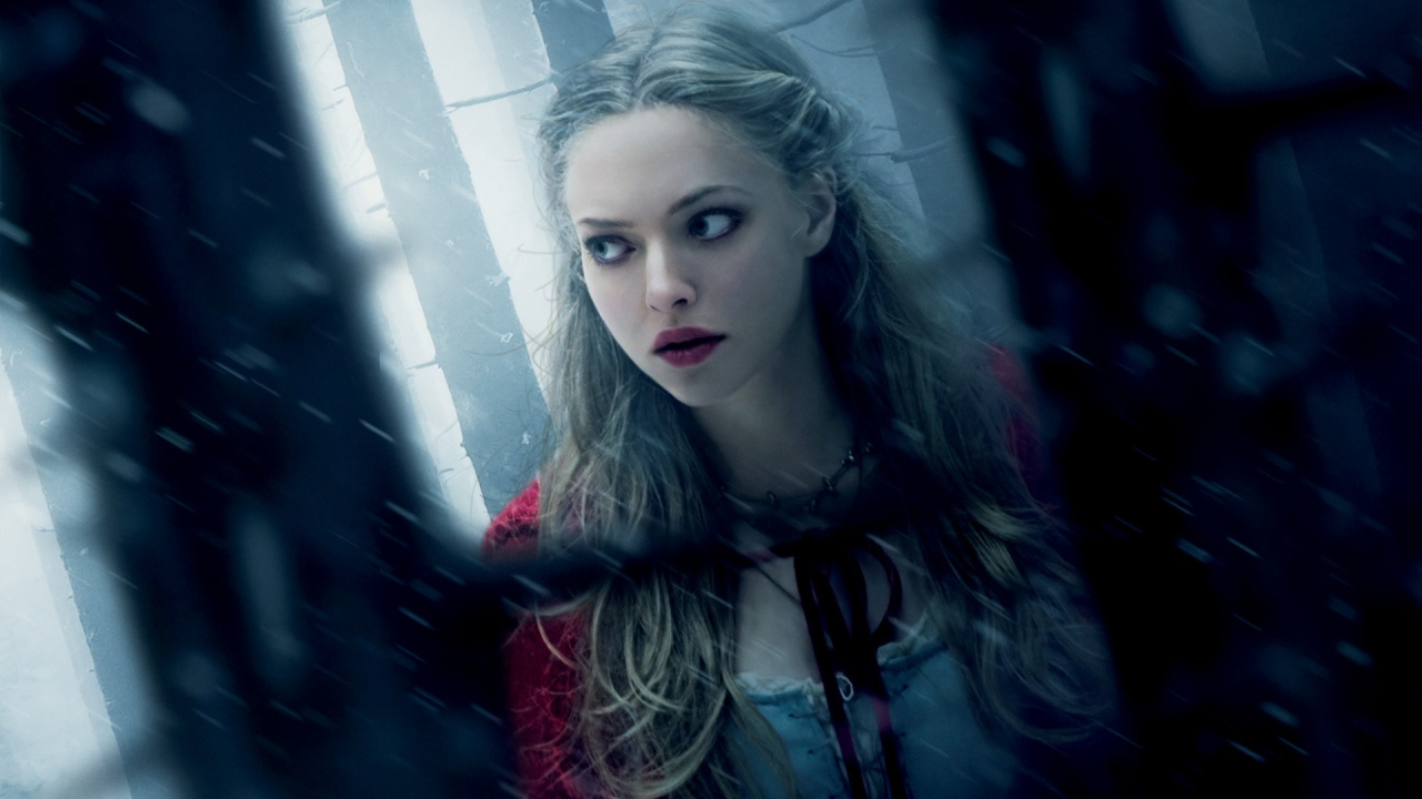 Amanda Seyfried Hot Hd Wallpapers  Entertainment -7485
