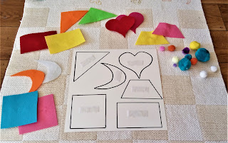 rozróżnianie kształtów i kolorów przez małe dziecko