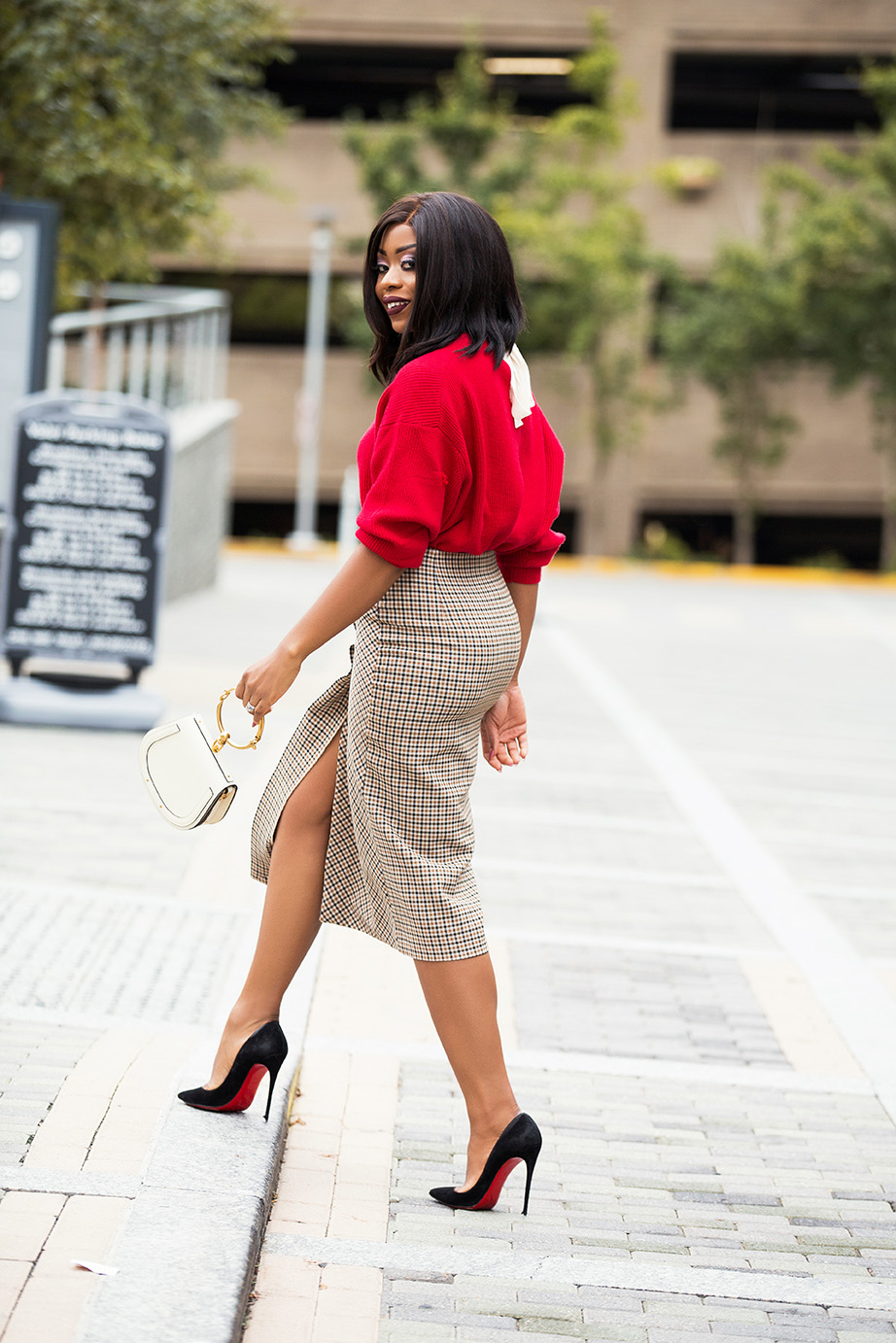holiday style, wrap skirt, red sweater, www.jadore-fashion.com