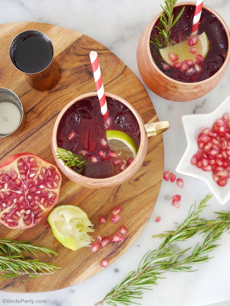 Party Recipe - Pomegranate Moscow Mule Cocktail : learn to make this tasty, quick and simple cocktail for your Christmas & Holiday entertaining! by BirdsParty.com @birdsparty