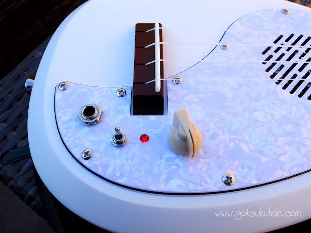 Vox Ukelectric 33 concert ukulele controls
