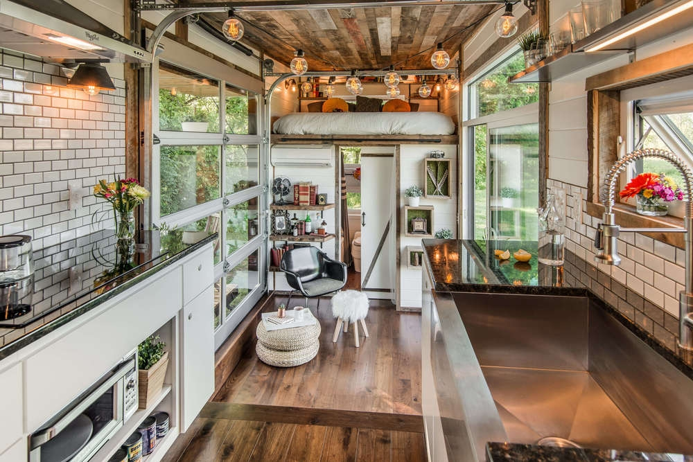 08-New-Frontier-Tiny-Homes-Architecture-with-Tiny-Houses-on-Wheels-www-designstack-co