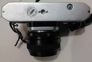 Bagian bawah Asahi Pentax Spotmatic