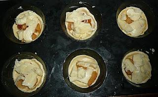Tartelettes au cantal, aux pommes et aux noix