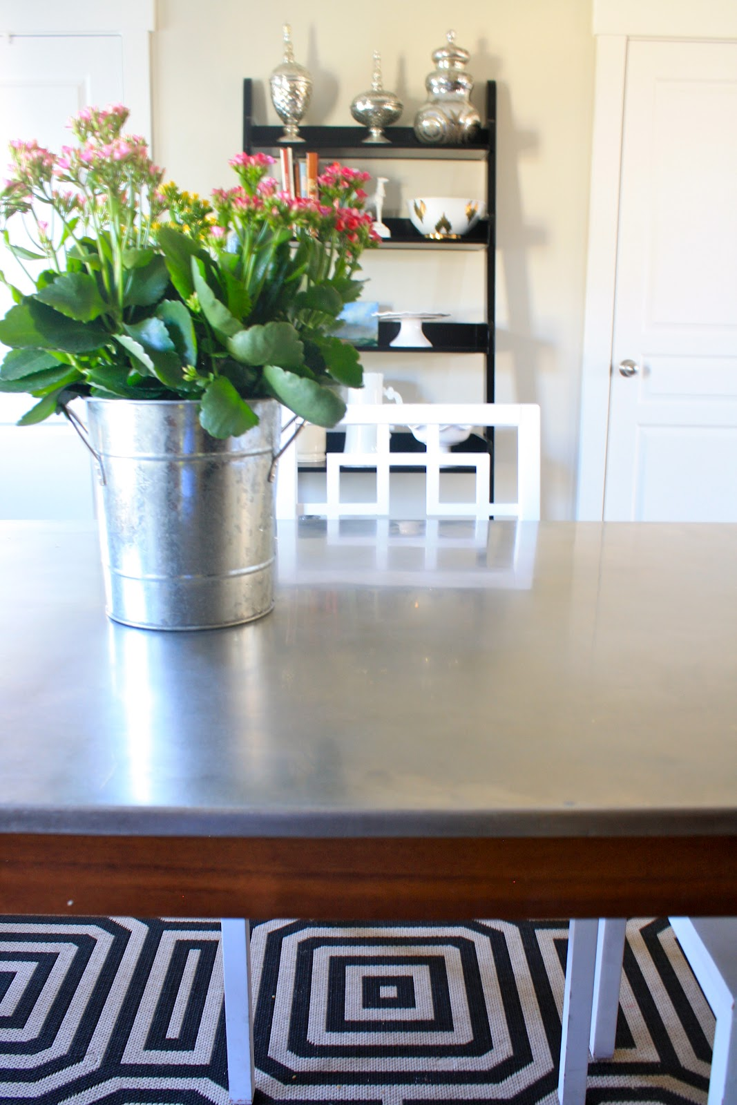 I Finally Have a New Kitchen Table! - House of Jade ...