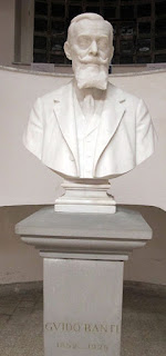 The bust of Guido Banti at the Florence Institute