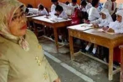 Peluang Besar Guru Honorer Untuk Jadi PNS