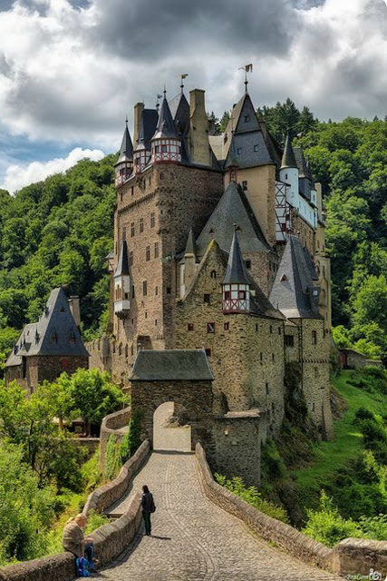 Eltz Castle in Germany | A Cup of T