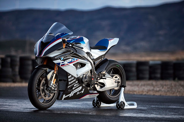 2017 BMW HP4 Race - #BMW #Race_bike #supercar #motorbike