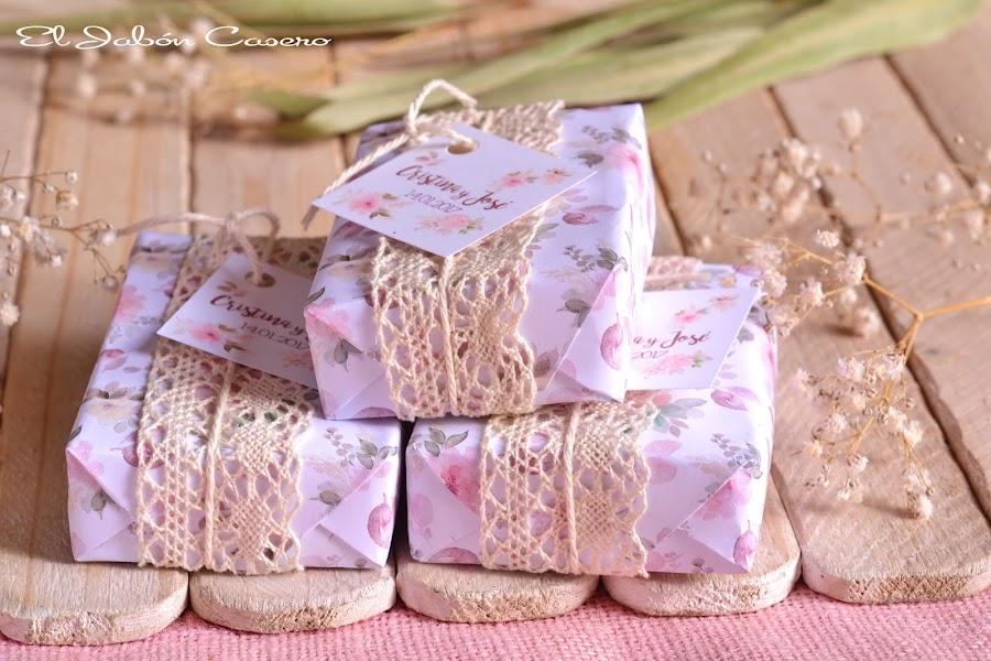 Detalles personalizados bodas vintage jabones naturales florales
