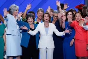 Demócratas eligen Hillary Clinton