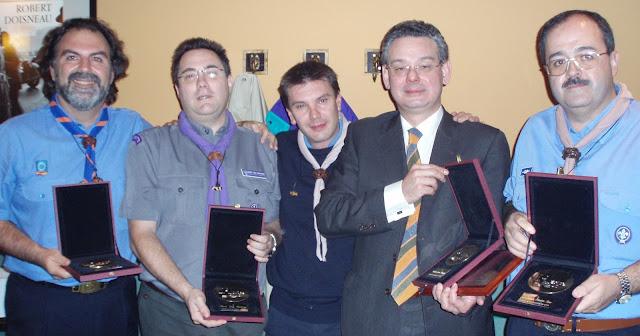 Resultado de imagen de antonio alaminos medalla al merito scout