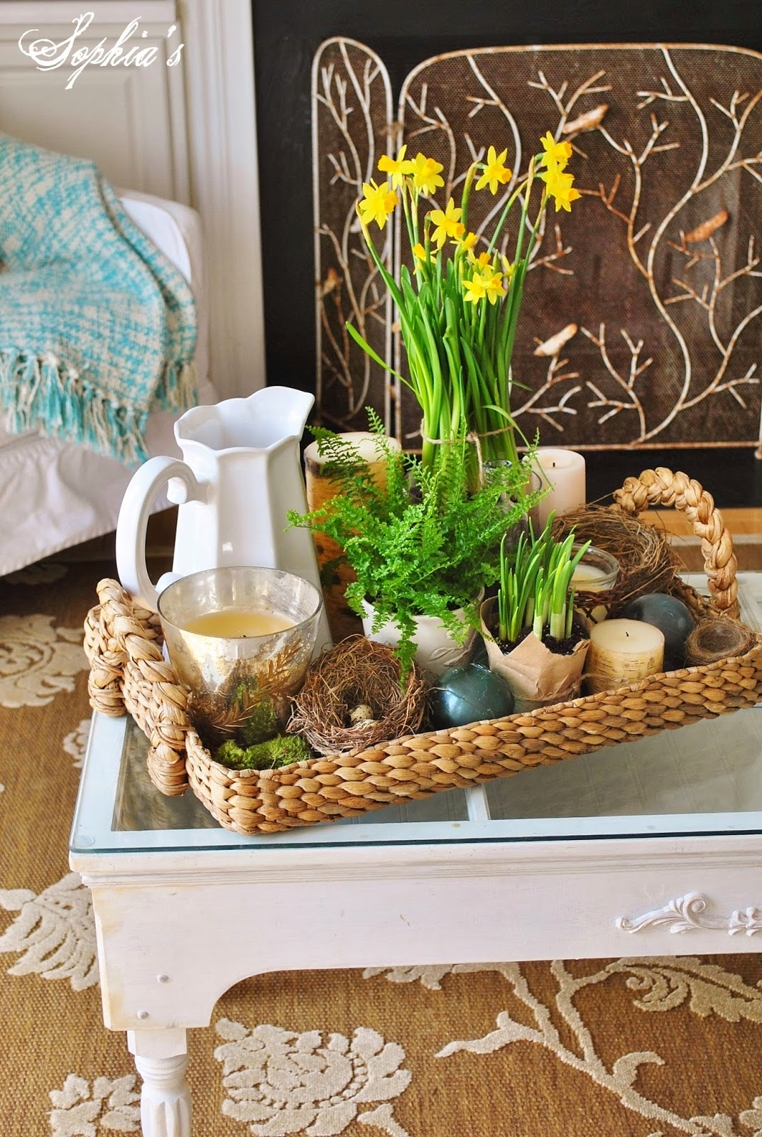 Room Decor: Sophia's: Adding Touches Of Spring To The Living Room